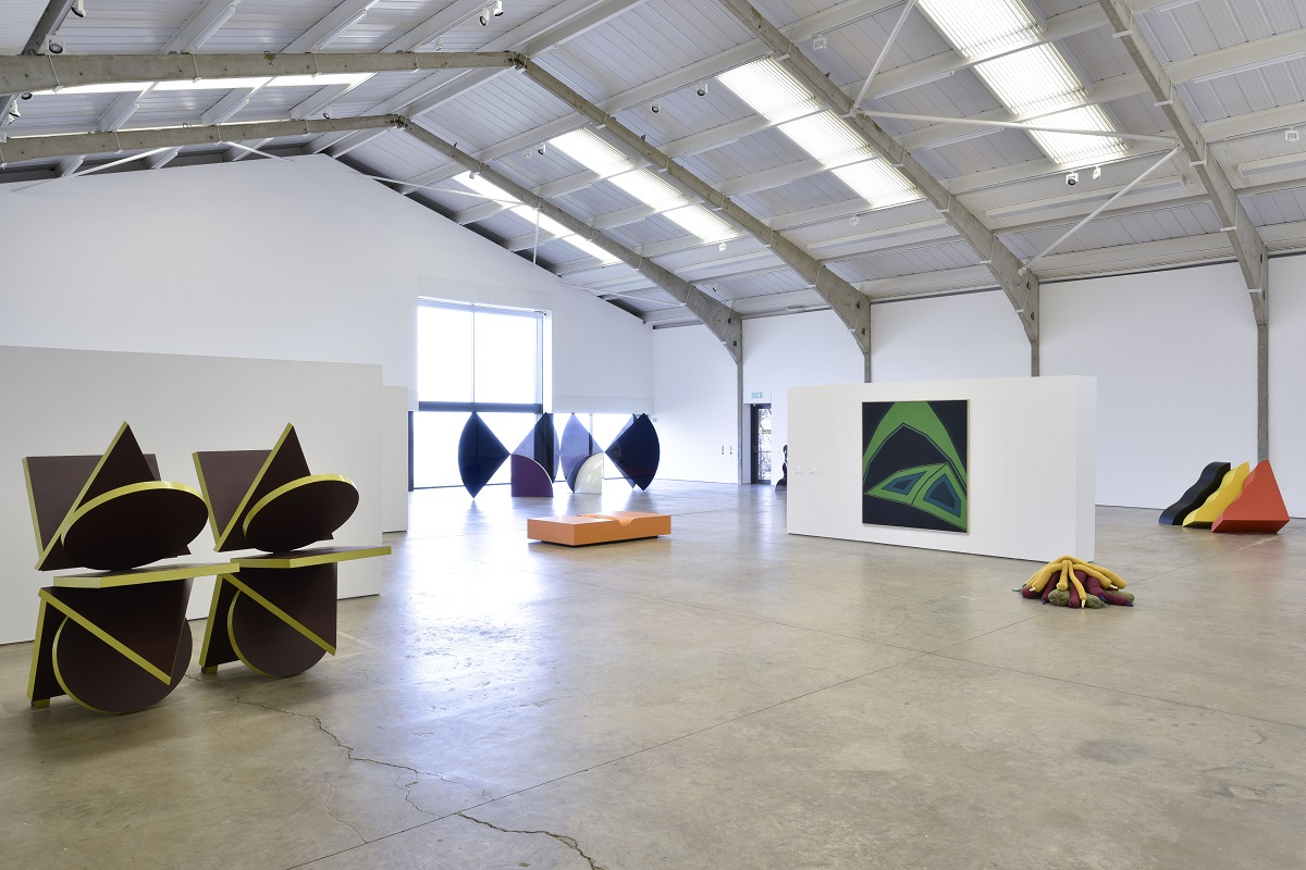 Works by Philip King, Tess Jaray and Barry Flanagan