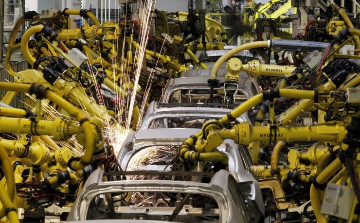 Robots in VW car factory