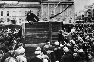 Lenin addressing troops in 1920 - Trotsky has been removed