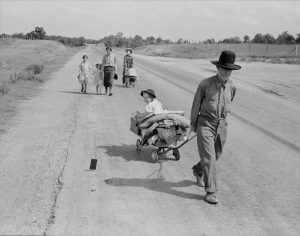 Dorothea Lange Migrants walking