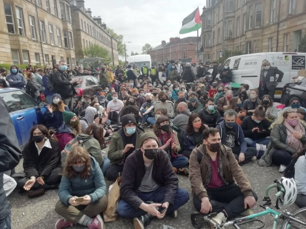 Love in a time of Covid: beyond Glasgow's radical tradition to real community resistance